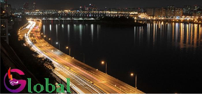 ứng dụng đèn pha năng lượng mạt trời tại Quận 3