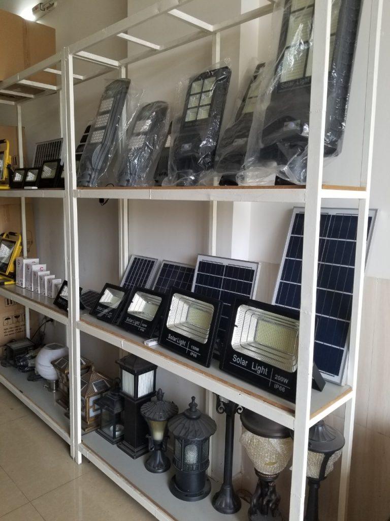 giá trưng bày sản phẩm pha led NLMT giá sỉ tại quận 12