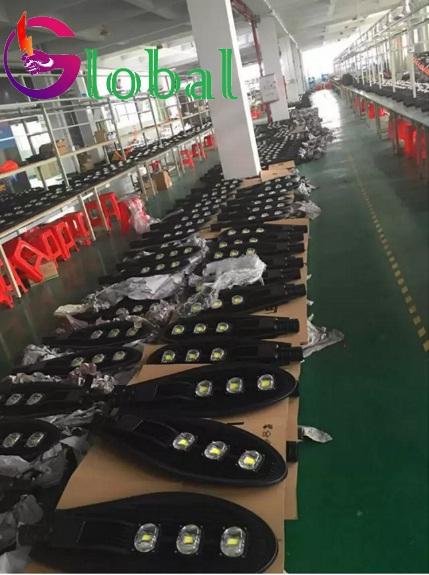 kho đèn led đường phố NLMT giá sỉ đi đến quận Tân Phú