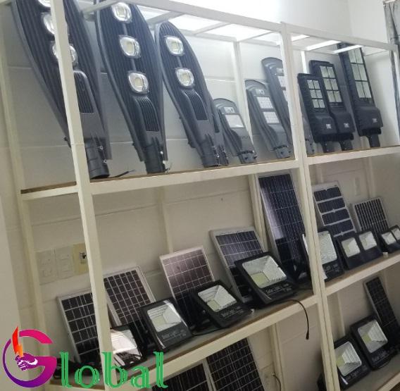Giá trưng bày sản phẩm của Đại lý đèn led giá sỉ tại Bạc Liêu