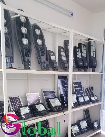 Giá trưng bày sản phẩm của Đại lý đèn led giá sỉ tại Kiên Giạng
